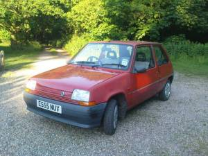 renault 5 campus in red