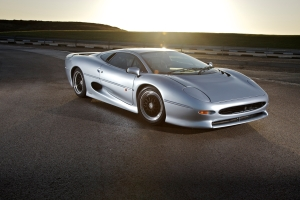 Jaguar XJ220 in Silver
