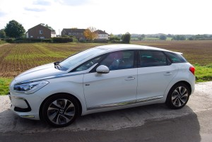 Citroen DS5 side view