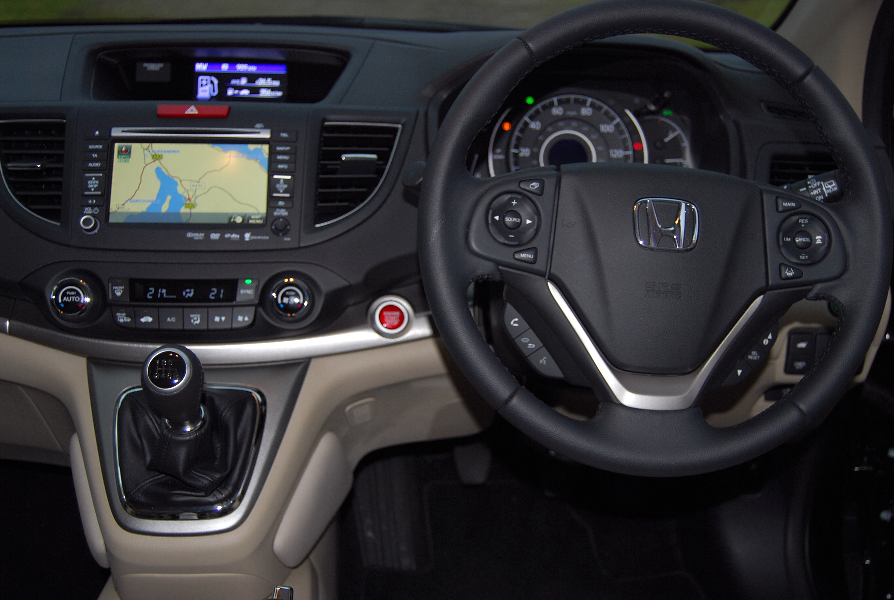 CR-V interior – well thought out and attractive