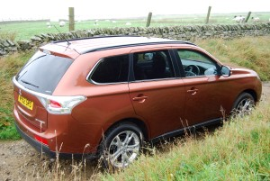2013 Mitsubishi Outlander side