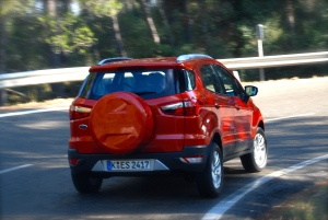 The EcoSport tackles bends impressively, with very little roll