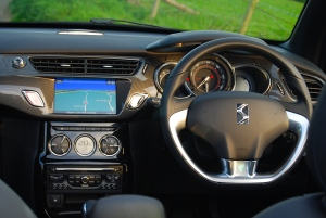 Citroen DS3 Cabrio interior
