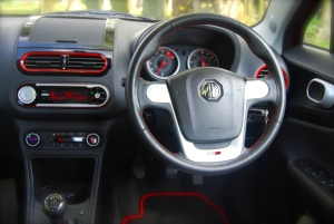 MG 3Form Sport interior