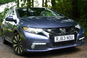 Honda Civic Tourer front
