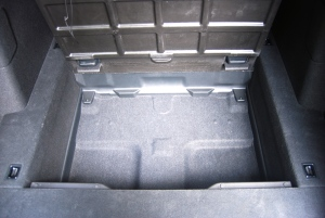 Honda Civic Tourer underboot storage