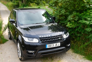 Range Rover Sport HSE front and side