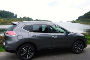 new_nissan_x-trail_grey_side