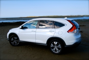 Honda_CRV_white_side