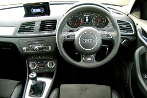 Audi_Q3_Sline_interior