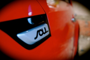 new_kia_soul_mixx_red_black_badge
