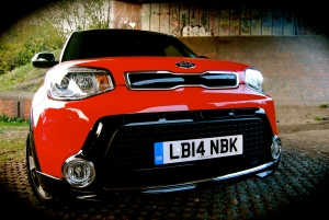 new_kia_soul_mixx_red_black_front