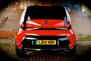 new_kia_soul_mixx_red_black_rear