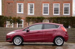 ford_fiesta_powershift_automatic_red_side