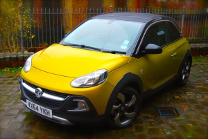 vauxhall_adam_rocks_air_gold_front