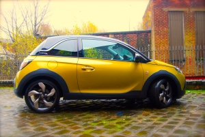 Vauxhall_adam_rocks_air_gold_side