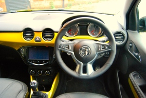 vauxhall_adam_rocks_air_interior